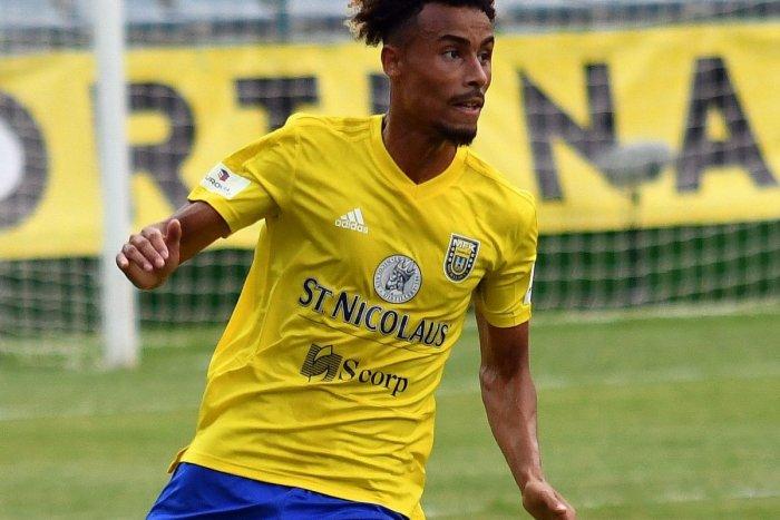 Ilustračný obrázok k článku Francúzsky futbalista Diarra bude opäť hrať za MFK Zemplín Michalovce