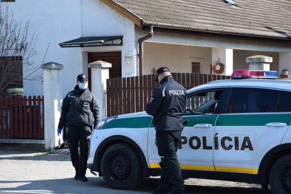 Ilustračný obrázok k článku Nepríjemné zistenie policajtov: Prevádzka v Bystrici bola otvorená a dnu zákazníci