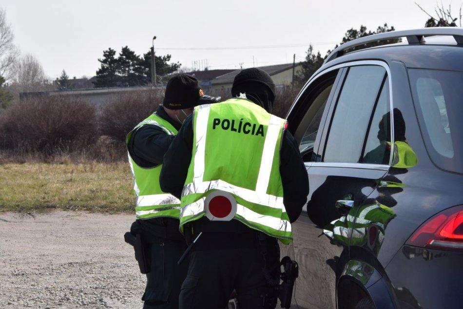 Ilustračný obrázok k článku Alarmujúce zistenia z Trnavského kraja: Stovky ľudí bez rúška aj porušenie karantény