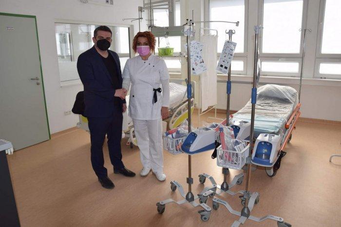 Ilustračný obrázok k článku Úžasné, čo dokázali Brezňania: Vyzbierali desaťtisíce eur na prístroje pre nemocnicu