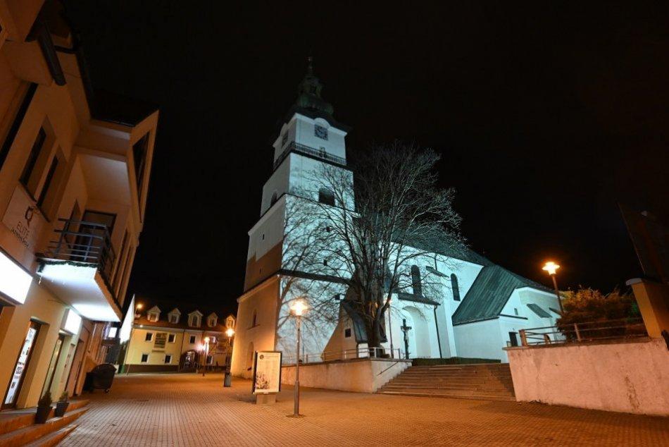 Ilustračný obrázok k článku Nočná Prievidza vyzerá ako mesto duchov: FOTO z centra počas zákazu vychádzania