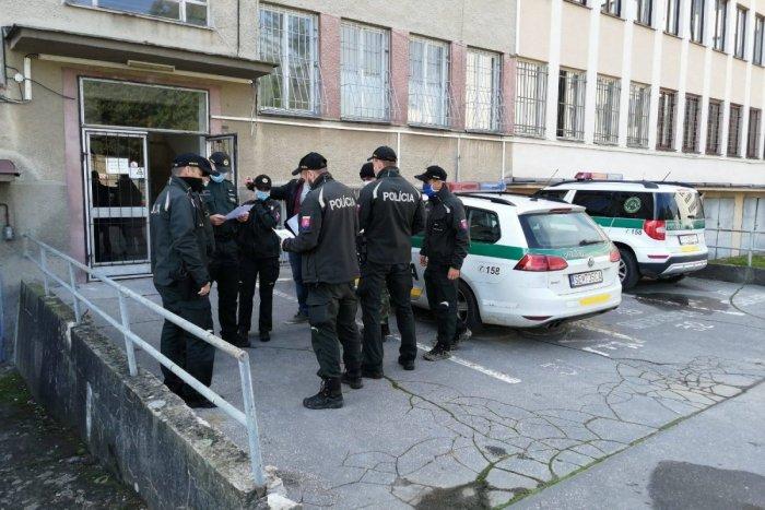 """Ilustračný obrázok k článku V dvoch pohostinstvách v Trnavskom kraji """"nalievali"""" aj počas lockdownu: Trest ich neminul!"""