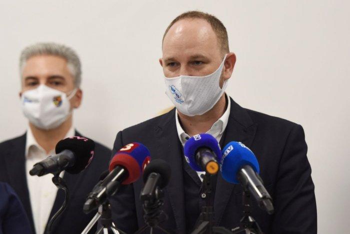 Ilustračný obrázok k článku Viskupič si vyhrnul rukávy: Podal trestné oznámenie na Čistý deň!