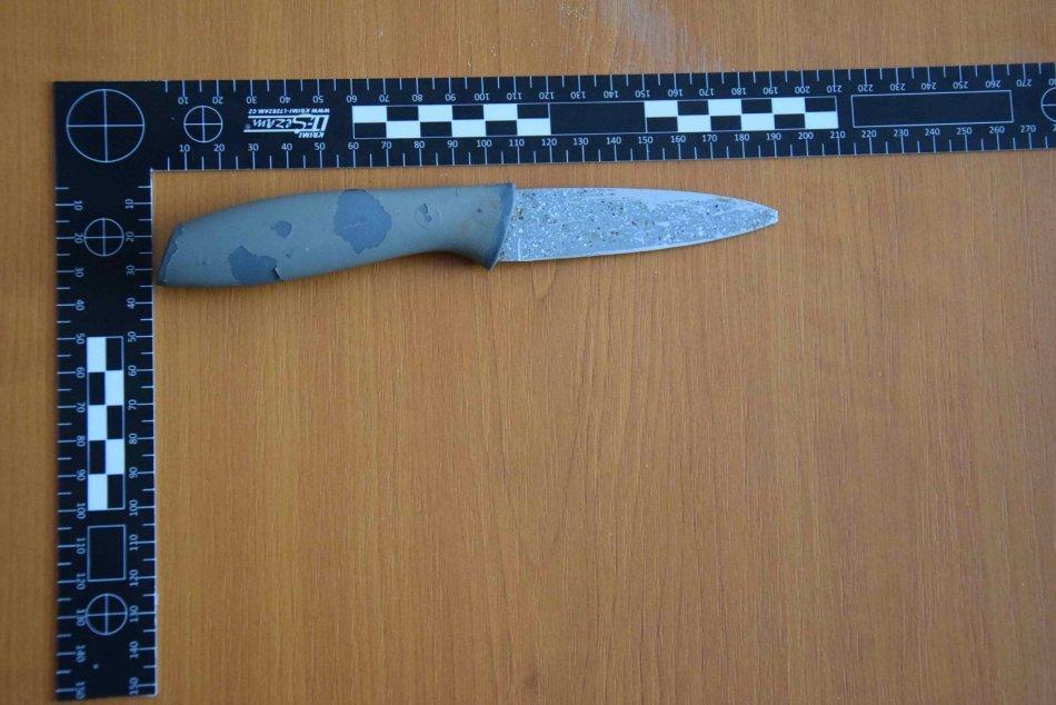 Ilustračný obrázok k článku Na chlapca vo Zvolene vytiahli nôž aj nožnice: Dvojici teraz hrozí až 12 rokov, FOTO