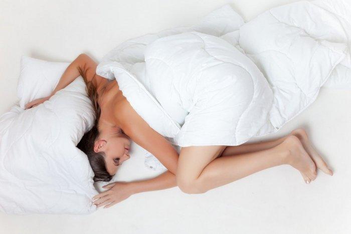Ilustračný obrázok k článku TOP fakty o spánku, ktoré musíte vedieť: Naozaj zaberá počítanie ovečiek? + KVÍZ