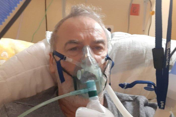 Ilustračný obrázok k článku Tréner Goffa bojuje s COVID-om v nemocnici: Na pochybovačov by vylial stolicu!