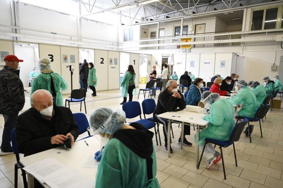 Ilustračný obrázok k článku Známe je ČÍSLO z očkovacích centier v Banskobystrickom kraji: Koľko ľudí už dostalo vakcínu?