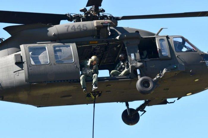 Ilustračný obrázok k článku Black Hawk bez povolenia nad Slovenským krasom? Prípad prešetrujú inšpektori!