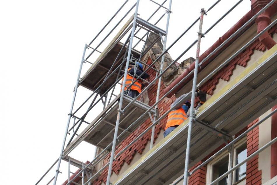Ilustračný obrázok k článku Študenti sa vrátia do nového: TIETO stredné školy v kraji prejdú obnovou