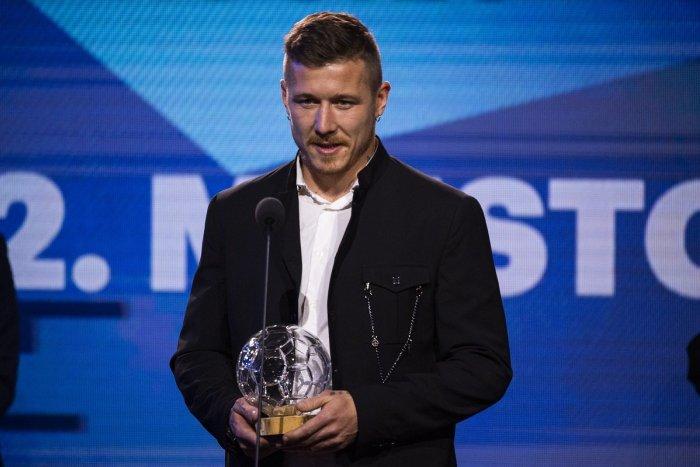 Ilustračný obrázok k článku Ocenenie práce: Trio odchovancov futbalu na hornej Nitre v slovenskej TOP 10