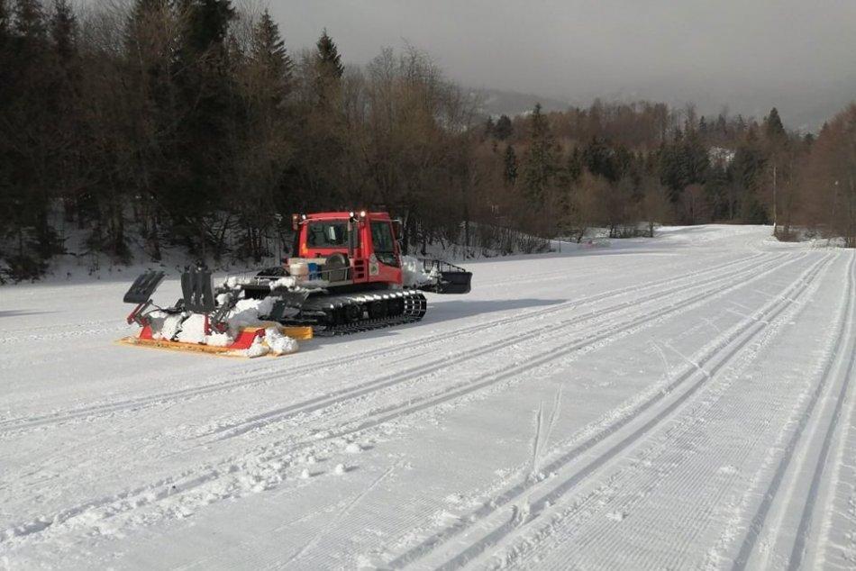 Ilustračný obrázok k článku Zaujímavosti o bežkárskej sezóne v Kremnických vrchoch: Tipnete si, koľko najazdil ratrak?