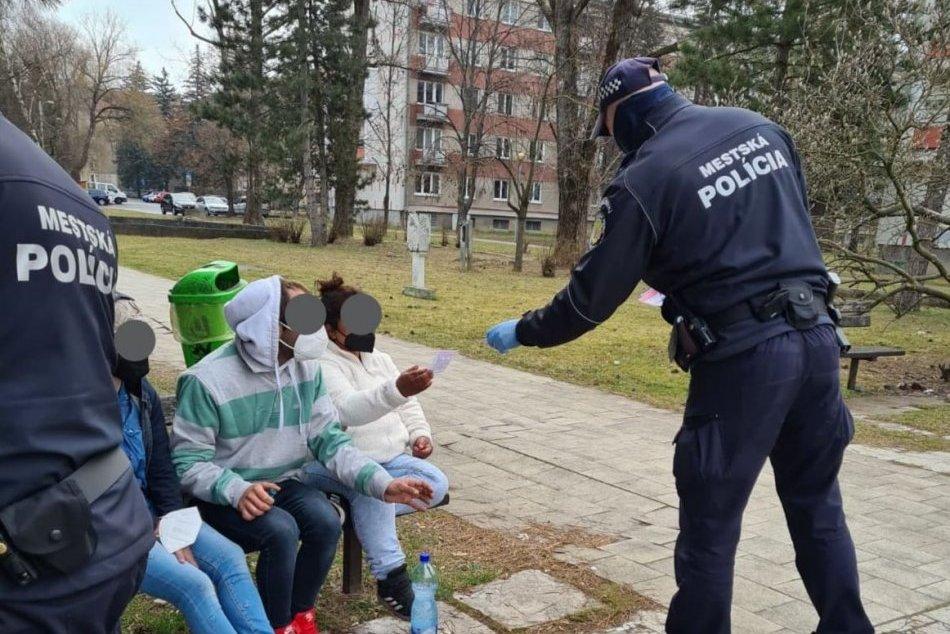 Ilustračný obrázok k článku Mestskí policajti reagujú na situáciu s ochorením Covid-19: Na čo sa zamerali tentoraz?