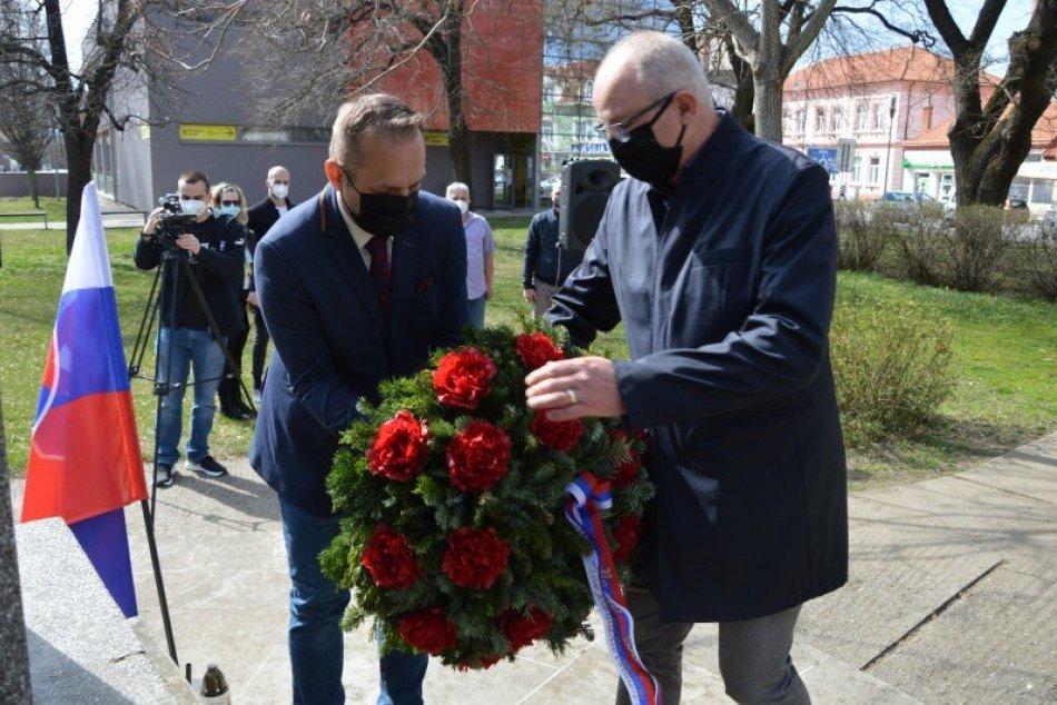 Ilustračný obrázok k článku Šaľa na minulosť nezabúda: Pripomenula si 76. výročie oslobodenia mesta, FOTO