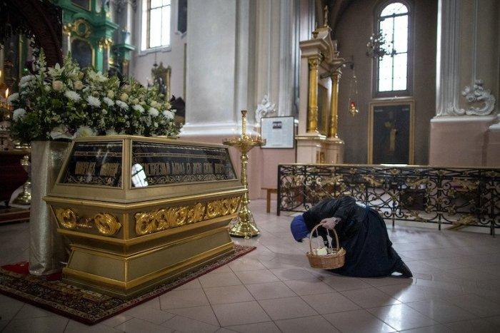 Ilustračný obrázok k článku SVET O SLOVENSKU: Prehnala to vláda s veľkonočnými pravidlami pre kostoly?