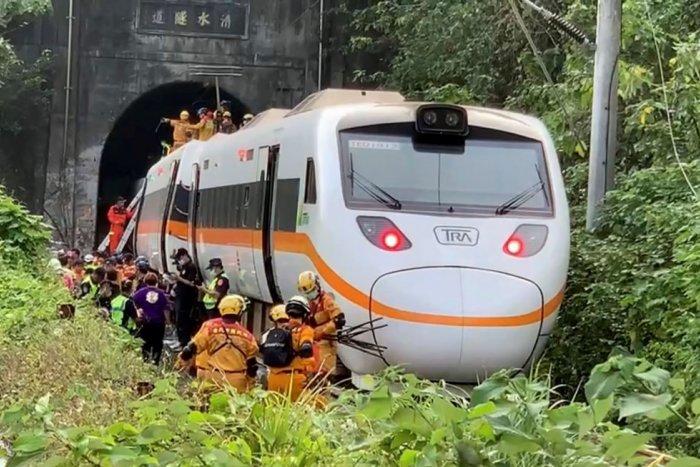 Ilustračný obrázok k článku Vykoľajenie vlaku v tuneli má hrôzostrašné následky: Z miesta hlásia desiatky mŕtvych! FOTO