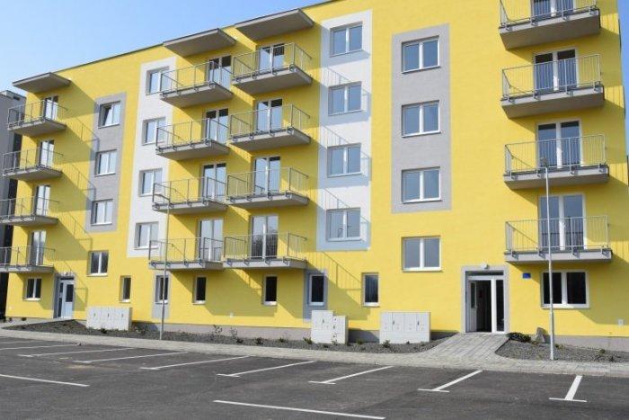 Ilustračný obrázok k článku Nová bytovka v Humennom už pozná svojich nájomcov. Byty si žrebovali