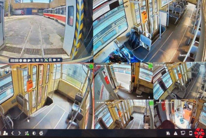 Ilustračný obrázok k článku Boj proti nezmyselným čarbaniciam: Dopravný podnik nainštaloval nové kamery
