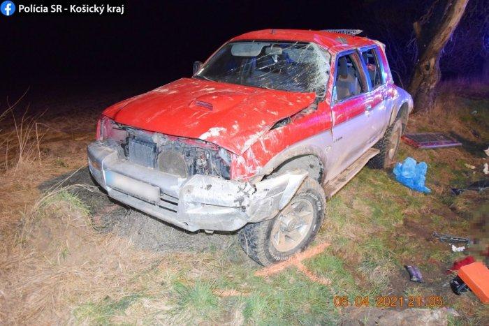 Ilustračný obrázok k článku Tragická nehoda neďaleko Košíc: Auto vyletelo z cesty, vodiča už nezachránili