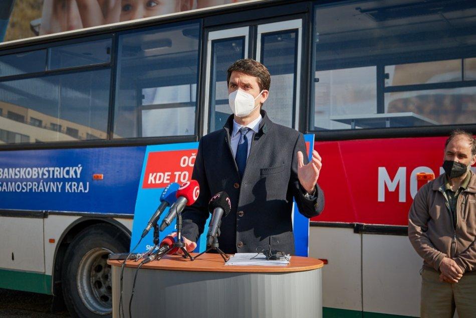 Ilustračný obrázok k článku Očkovací autobus dostal zelenú: V Banskobystrickom kraji vyrazí pilotne do 2 okresov
