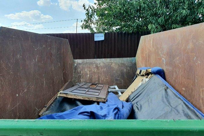Ilustračný obrázok k článku Viac než 70 ton odpadu: Žiarčania počas Dní jarnej čistoty vypratali svoje pivnice