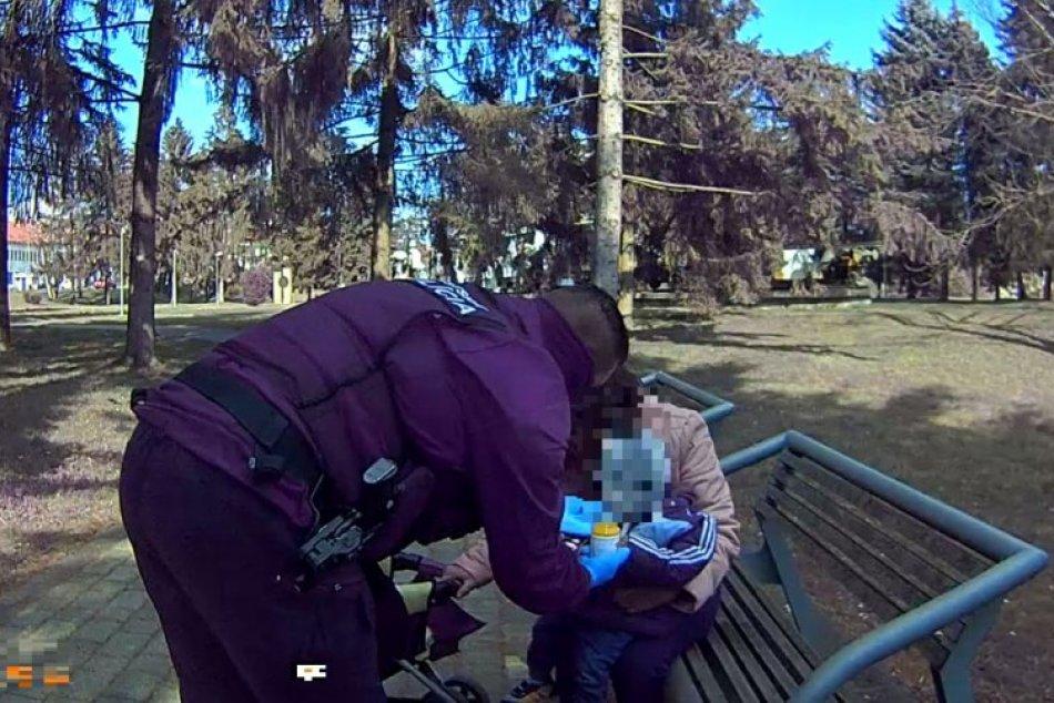 Ilustračný obrázok k článku Vo zvolenskom parku našli matku roka: Mala takmer 2 promile a v kočíku dieťa, FOTO
