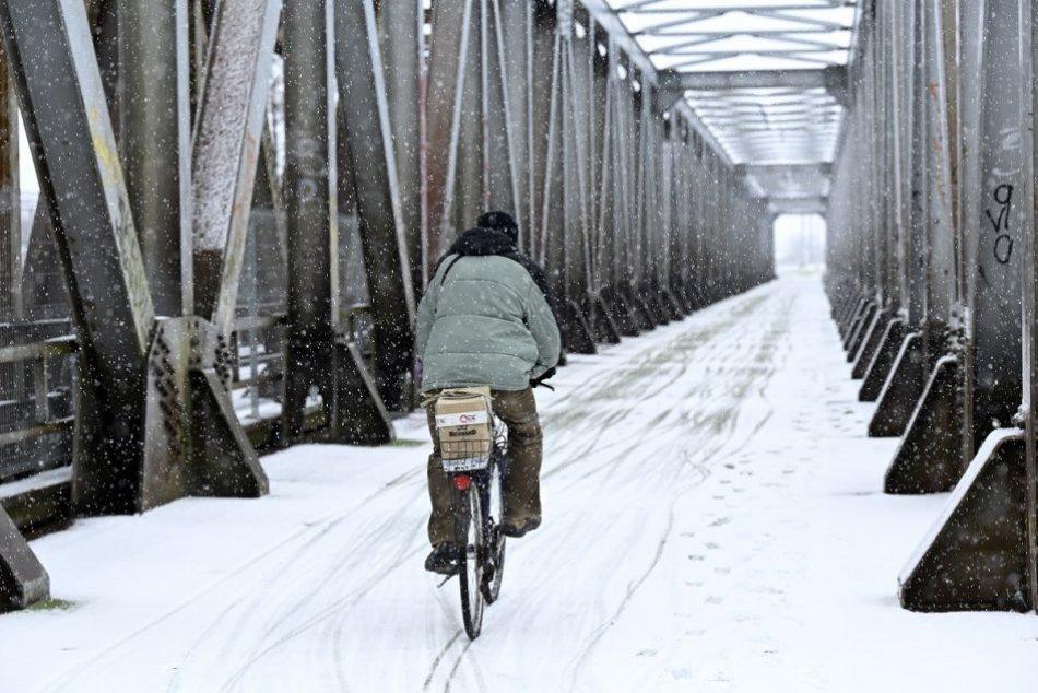 Ilustračný obrázok k článku Zima ešte nepovedala posledné slovo: Pre Humenné a okolie platia výstrahy pred snehom