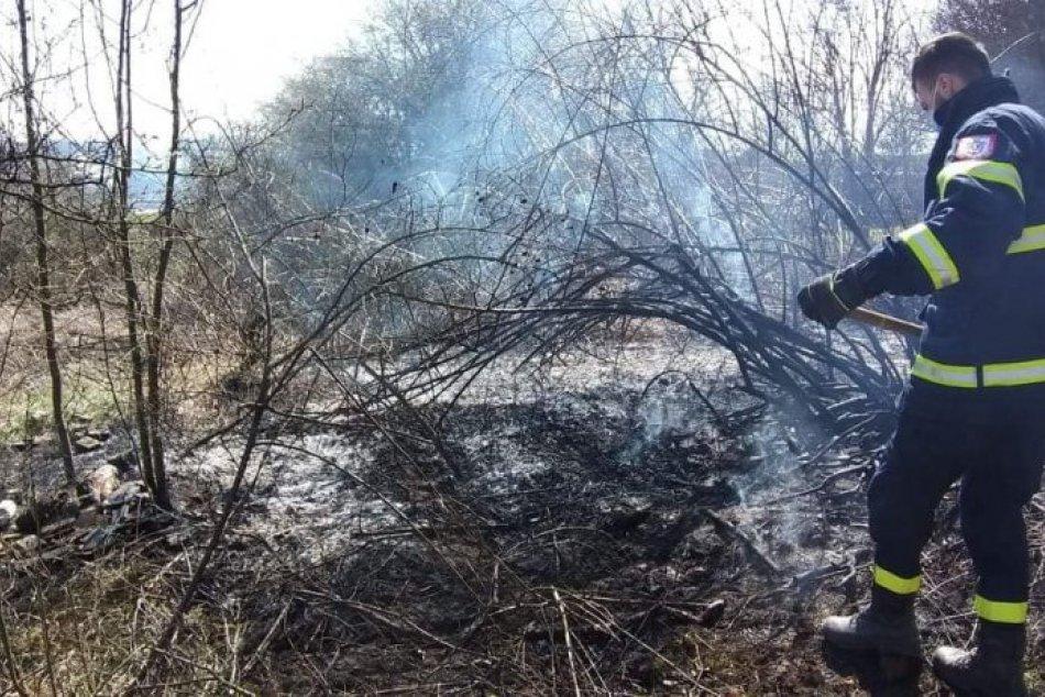 Ilustračný obrázok k článku Skvelá práca dobrovoľných hasičov: Pri Zvolene zabránili lesnému požiaru, FOTO