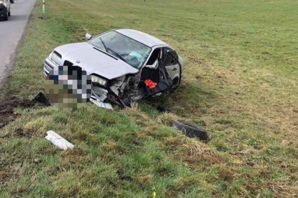 Ilustračný obrázok k článku Vážna nehoda na Podpoľaní: Pri zrážke autobusu s autom sa ťažko zranil vodič, FOTO