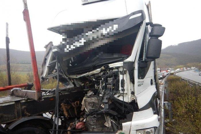 Ilustračný obrázok k článku Nehoda dvoch kamiónov na R1: Úsek pri Novej Bani bol niekoľko hodín neprejazdný