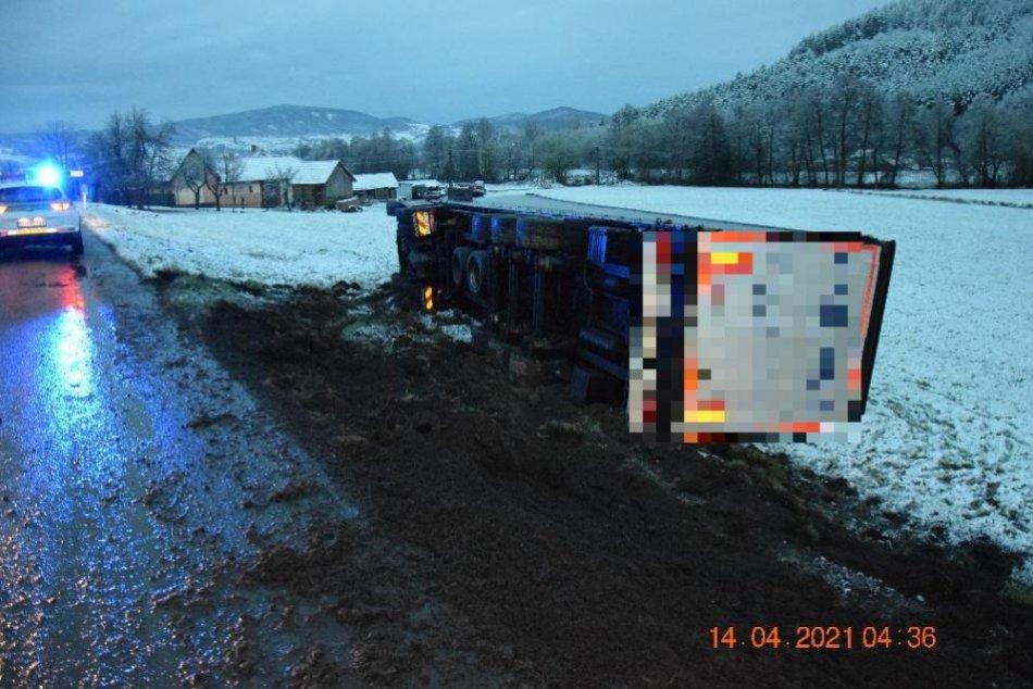 Ilustračný obrázok k článku Na Podpoľaní havaroval opitý kamionista: Jazdil s vyše 2 promile, FOTO