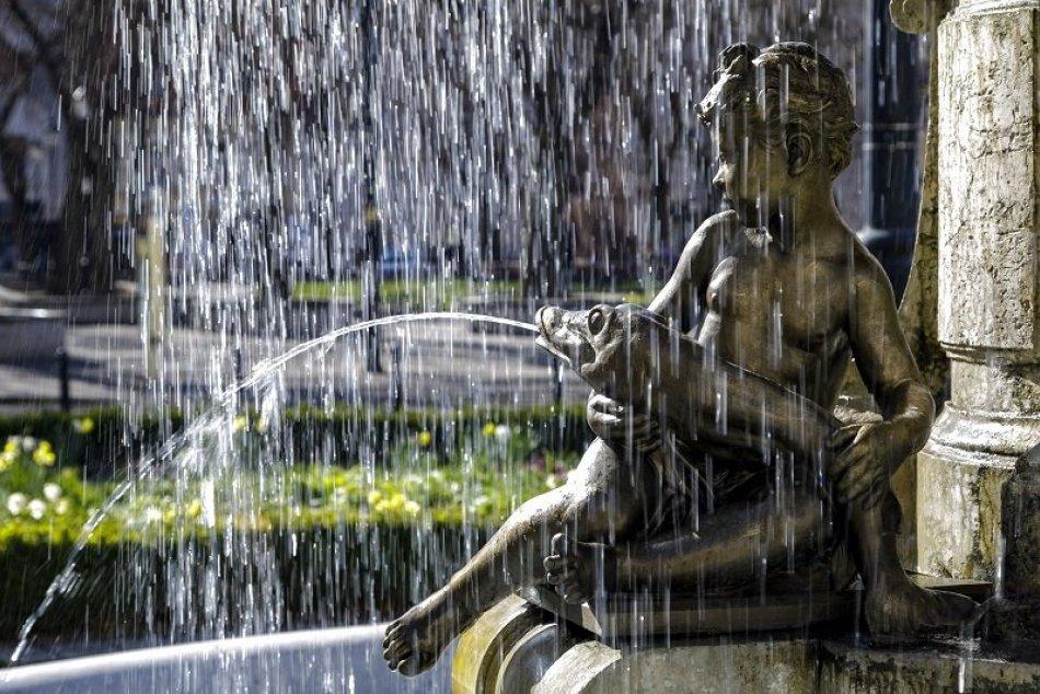 Ilustračný obrázok k článku OBRAZOM: Niektoré bratislavské fontány čaká obnova. Iné už chŕlia vodu v plnej paráde