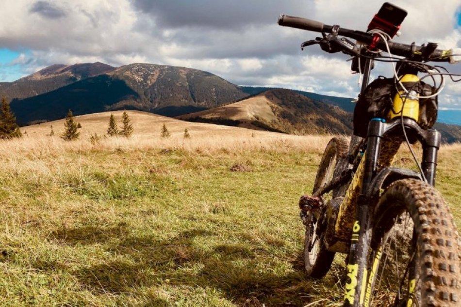 Ilustračný obrázok k článku Výborný pomocník pre cyklistov: Banskobystrický kraj zverejnil pasport trás