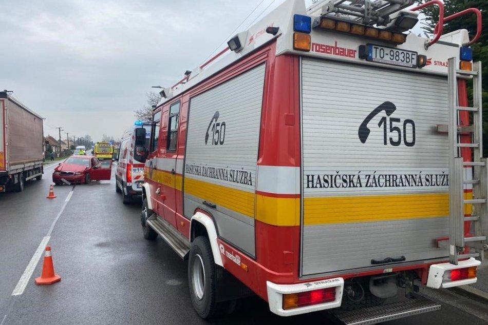 Ilustračný obrázok k článku Dopravná nehoda neďaleko Topoľčian: Pri zrážke sa zranilo 5 ľudí, FOTO