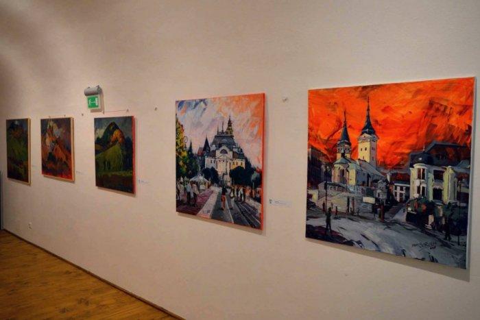 Ilustračný obrázok k článku Vianočný salón v apríli: Galéria v Caraffke je otvorená, ponúka explóziu farieb, FOTO