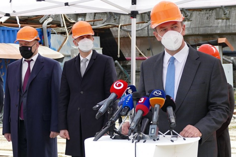 Ilustračný obrázok k článku Tunel Višňové bude! Heger o kľúčovom úseku, Doležal o termíne otvorenia, VIDEO