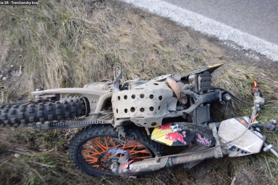Ilustračný obrázok k článku Ťažké zranenia opitého motorkára bez papierov: Narazil do betónového zjazdu, FOTO