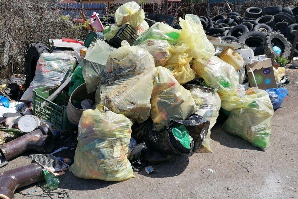 Ilustračný obrázok k článku Novohradskí poľovníci vyčistili lesy: Neuveríte, čo všetko tam objavili, FOTO