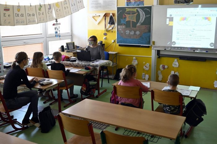 Ilustračný obrázok k článku Zatvorené ostali len niektoré triedy: Do prešovských škôl nastúpilo cez 80 % žiakov