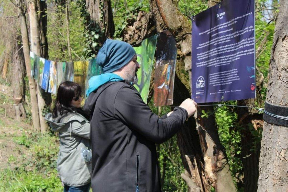 Ilustračný obrázok k článku V Lučenci máme unikátnu výstavu: Nachádza sa priamo na ulici, FOTO