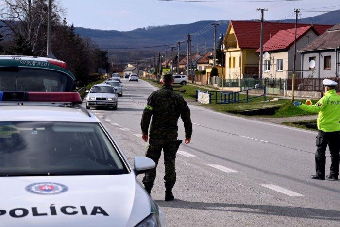 Ilustračný obrázok k článku Policajné KONTROLY za minulý týždeň: TÚTO sumu vyzbierali od tých, čo porušili opatrenia!