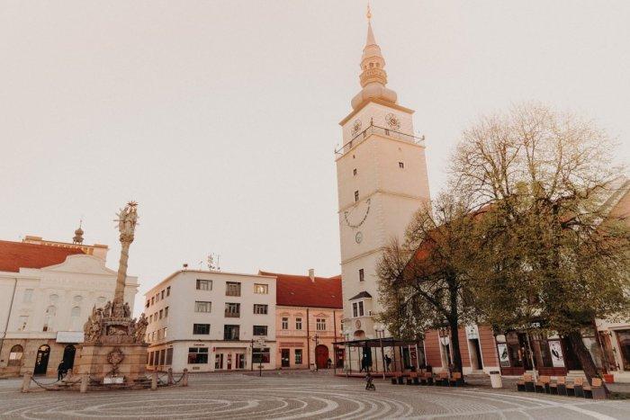 Ilustračný obrázok k článku COVID automat sa mení: Dva OKRESY z Trnavského kraja sa prehupli do ružovej farby!