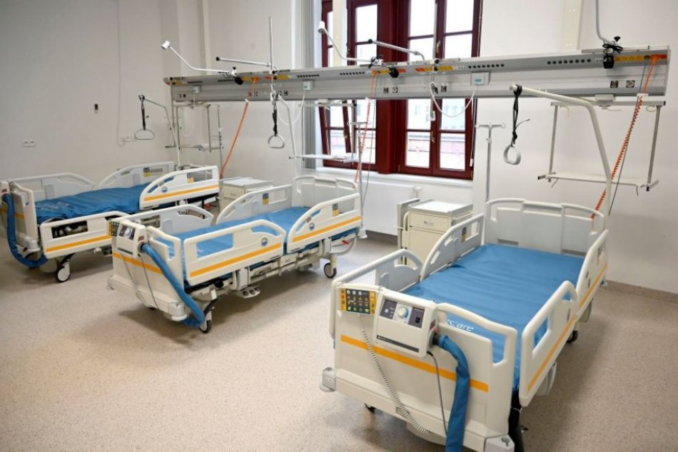 Ilustračný obrázok k článku Skvelé správy z humenskej nemocnice! Umelú pľúcnu ventiláciu potrebuje len 1 pacient