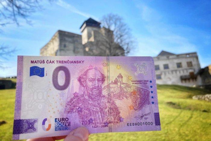 Ilustračný obrázok k článku Na Trenčianskom hrade spustili predaj suvenírovej bankovky s motívom Matúša Čáka