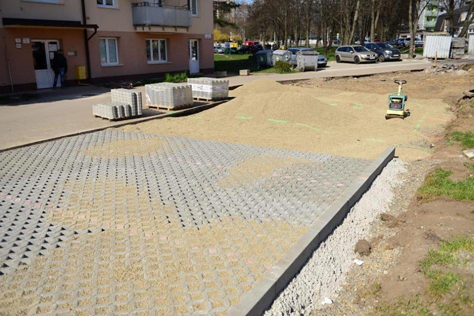 Ilustračný obrázok k článku V Brezne pribudnú desiatky parkovacích miest: Kde a kedy sa dočkáme? FOTO