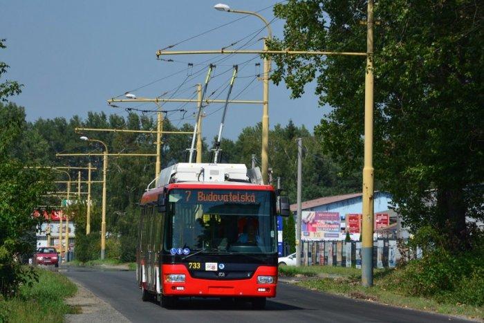 Ilustračný obrázok k článku Okres Prešov ešte nie je v ružovej fáze: Dopravný podnik už prešiel na školský režim
