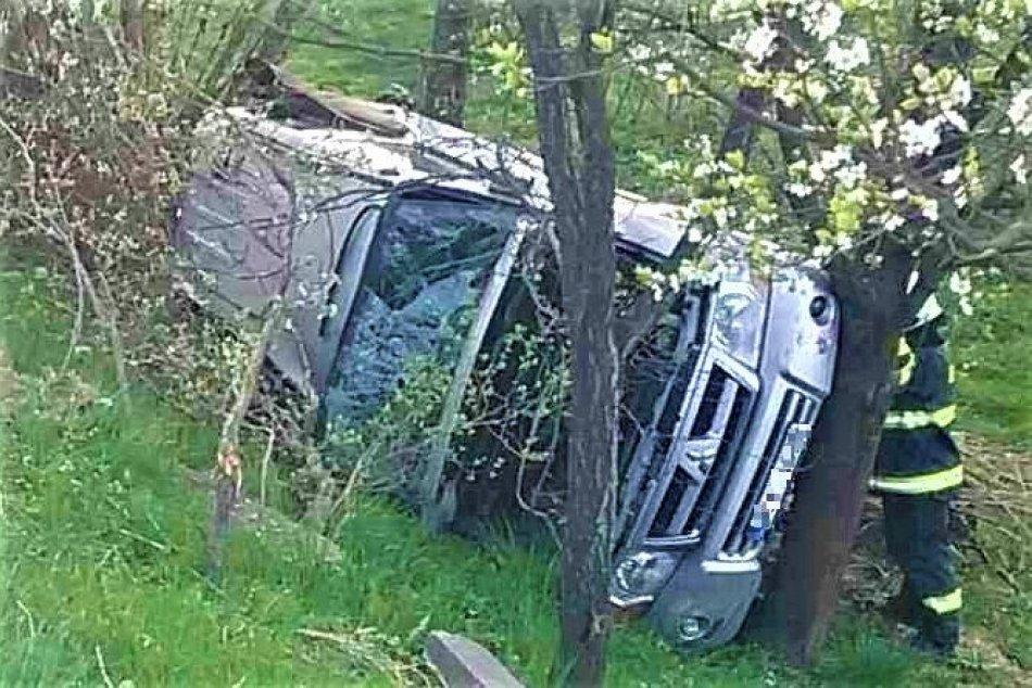 Ilustračný obrázok k článku Dvojica sa druhýkrát narodila: Nehoda pri Trenčíne na FOTO