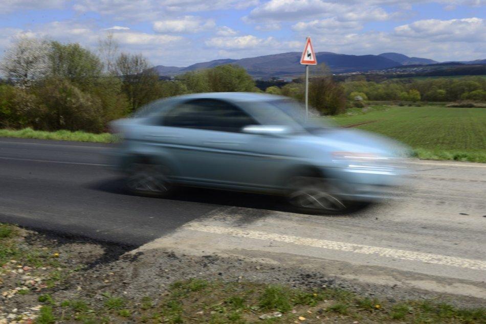 Ilustračný obrázok k článku Plán na rekonštrukciu cesty medzi Partizánskym a Oslanmi: TERMÍN možného začiatku