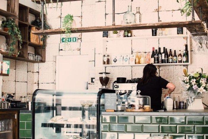 Ilustračný obrázok k článku Oplatí sa ich navštíviť! Toto sú najzaujímavejšie bary a kaviarne Bratislavy