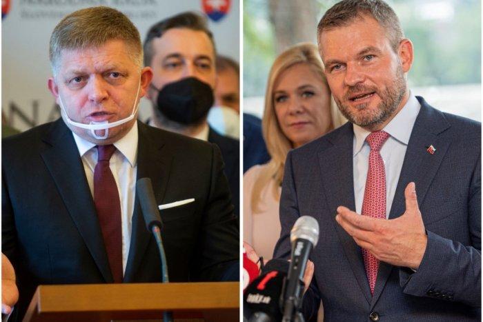 Ilustračný obrázok k článku Fico a Pellegrini nešetrili KRITIKOU: Jeden si podal premiéra a Kolíkovú, druhý vládu!