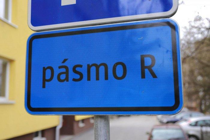 Ilustračný obrázok k článku Mesto chce zefektívniť regulované parkovanie: Čo sa mení s cenami v modrom pásme?